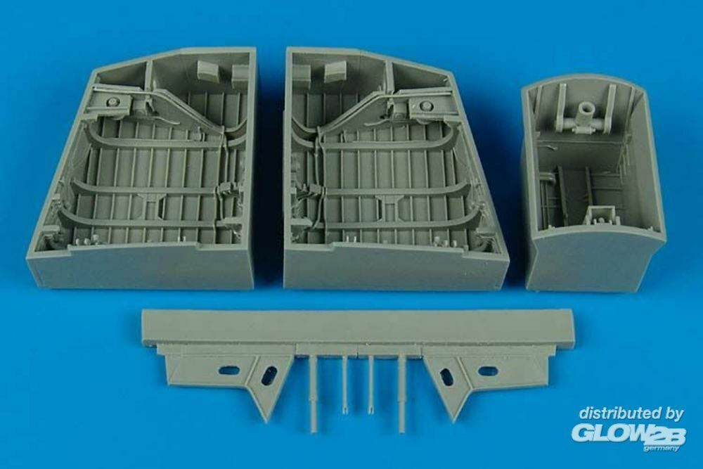 Aires 4453 English electric Canberra wheel bay (AIR in 1:48