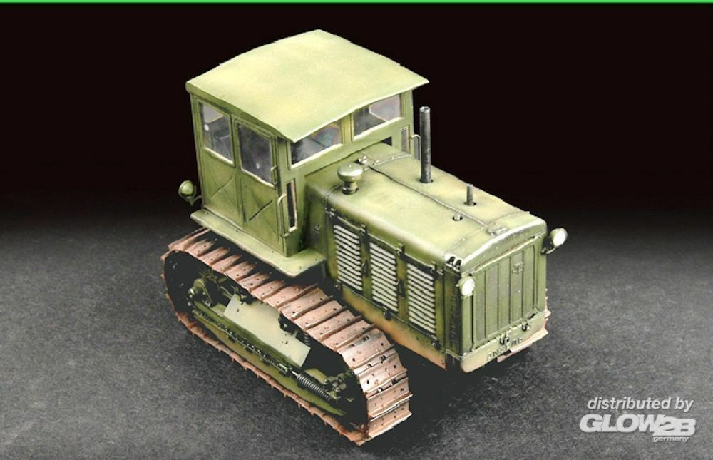 Trumpeter 07111 Russian ChTZ S-65 Tractor with Cab in 1:72