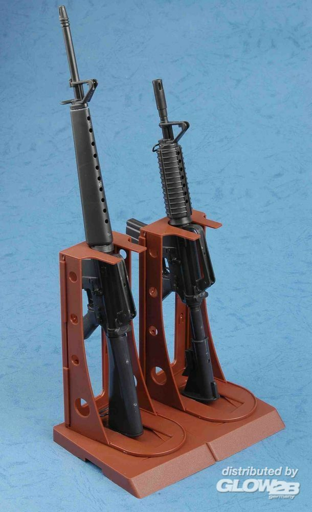 Trumpeter 01901 AR15/M16/M4 FAMILY-M16 in 1:3