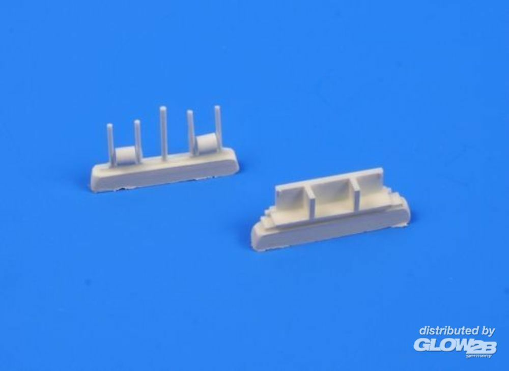 CMK 129-Q32129 P-40E and Later versions Rudder pedals in 1:32