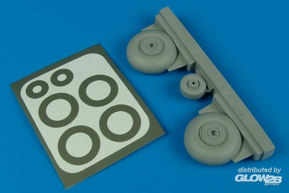 Aires 4446 C-47 Dakota wheels & paint masks (TRU) in 1:48