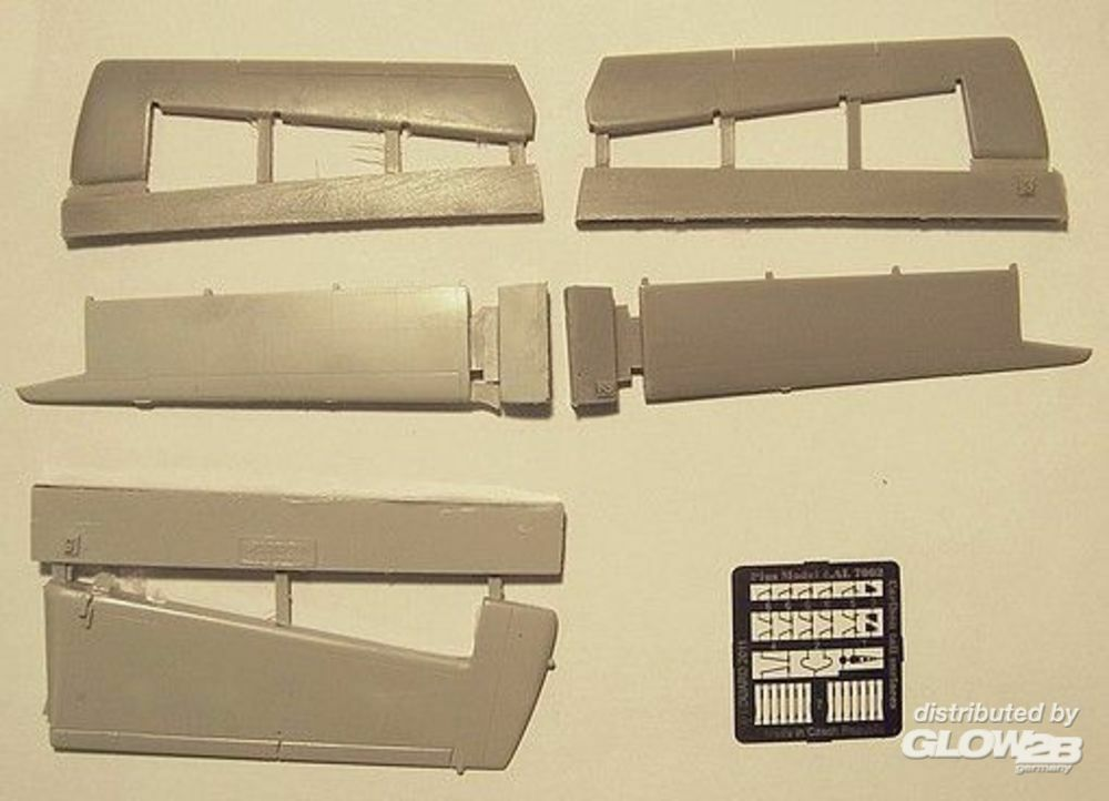 Plus model AL7002/01 DHC Caribou tail surfaces in 1:72