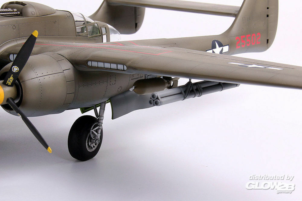 Lion Roar-GreatwallHobby S4807 NORTHORP P-61A w/Ground Attack weapons & Droptanks in 1:48