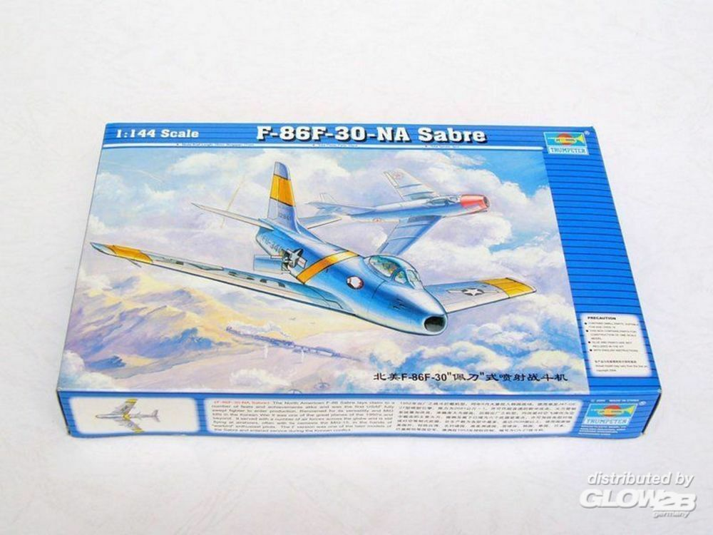 Trumpeter 01320 North American F-86 F-30 Sabre in 1:144