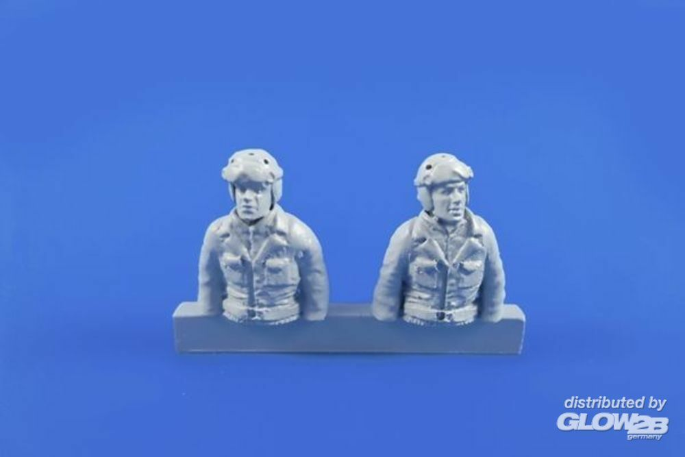 CMK 129-F48312 WWII US Tank Crew Driver and Gunner (two semi figures) for Sherman in 1:48
