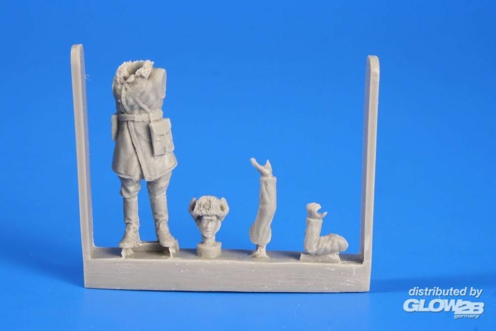 CMK 129-F48268 Red Army WWII Commander in 1:48