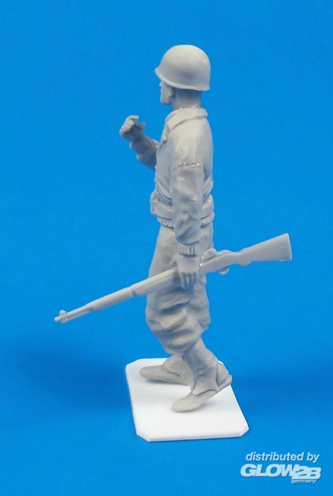 CMK 129-F48314 WWII Us Army Soldier in 1:48
